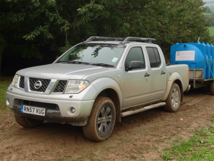 Nissan_Navarra_4x4_Pick_Up_For_Sale_1405604440 copy