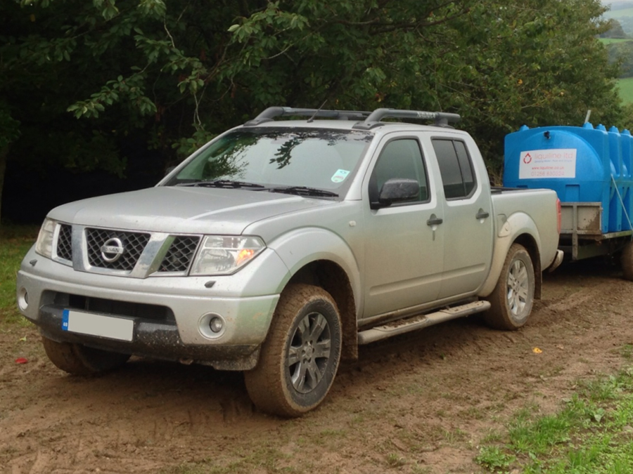 Nissan_Navarra_4x4_Pick_Up_For_Sale_1405604440-copy